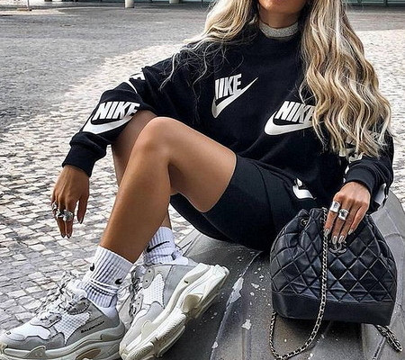 fashion girls sneakers - How to buy sneakers online in modern life