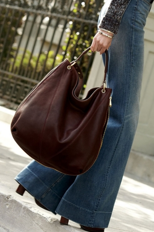 hobo bags - How to carry a shoulder bag and which one to choose.