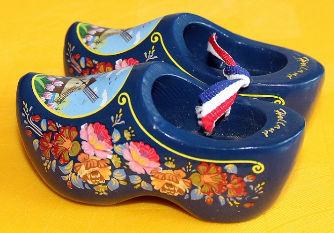 ladies clog shoes - Are ladies clog shoes still in fashion?